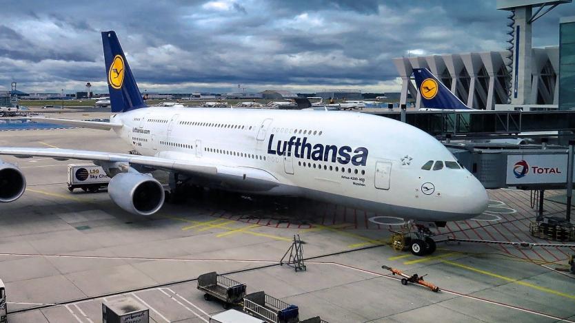 Lufthansa може да замени някои кратки полети с влакове
